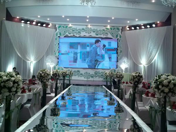酒店构造设计,婚礼主题logo设计,甜品自备) 22,甜品区花艺装饰(精致